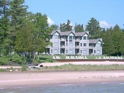 Glidden Lodge Beach Resort