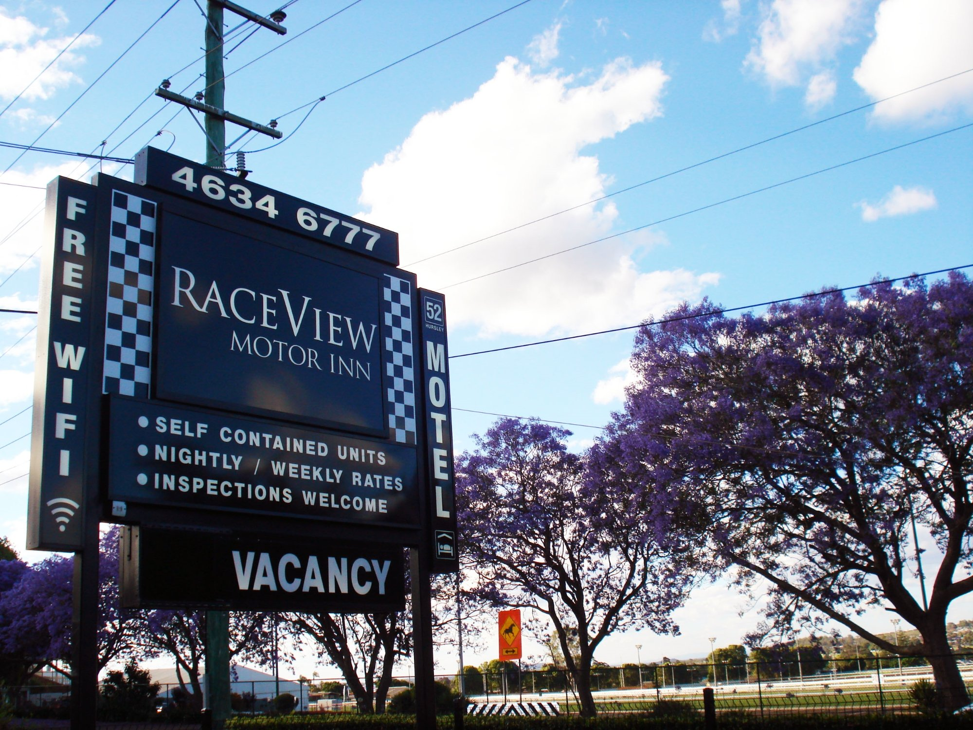 Raceview Motor Inn