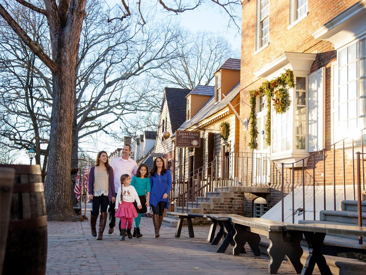 Strolling in Colonial Williamsburg