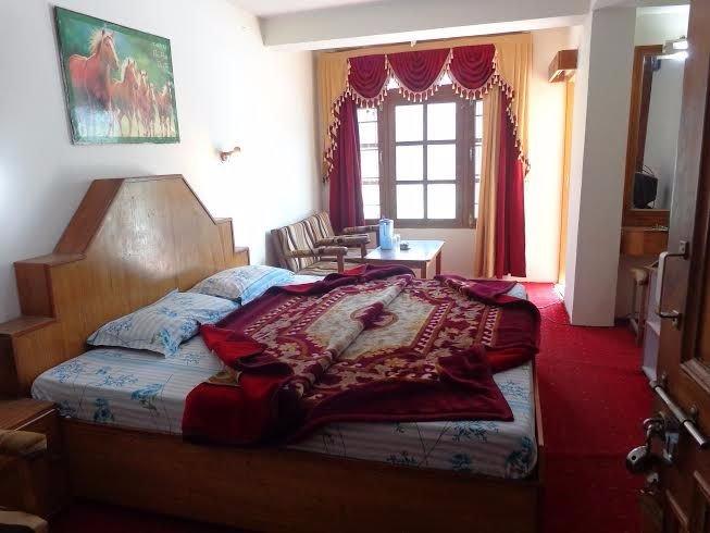 Hotel Mahajan Manali