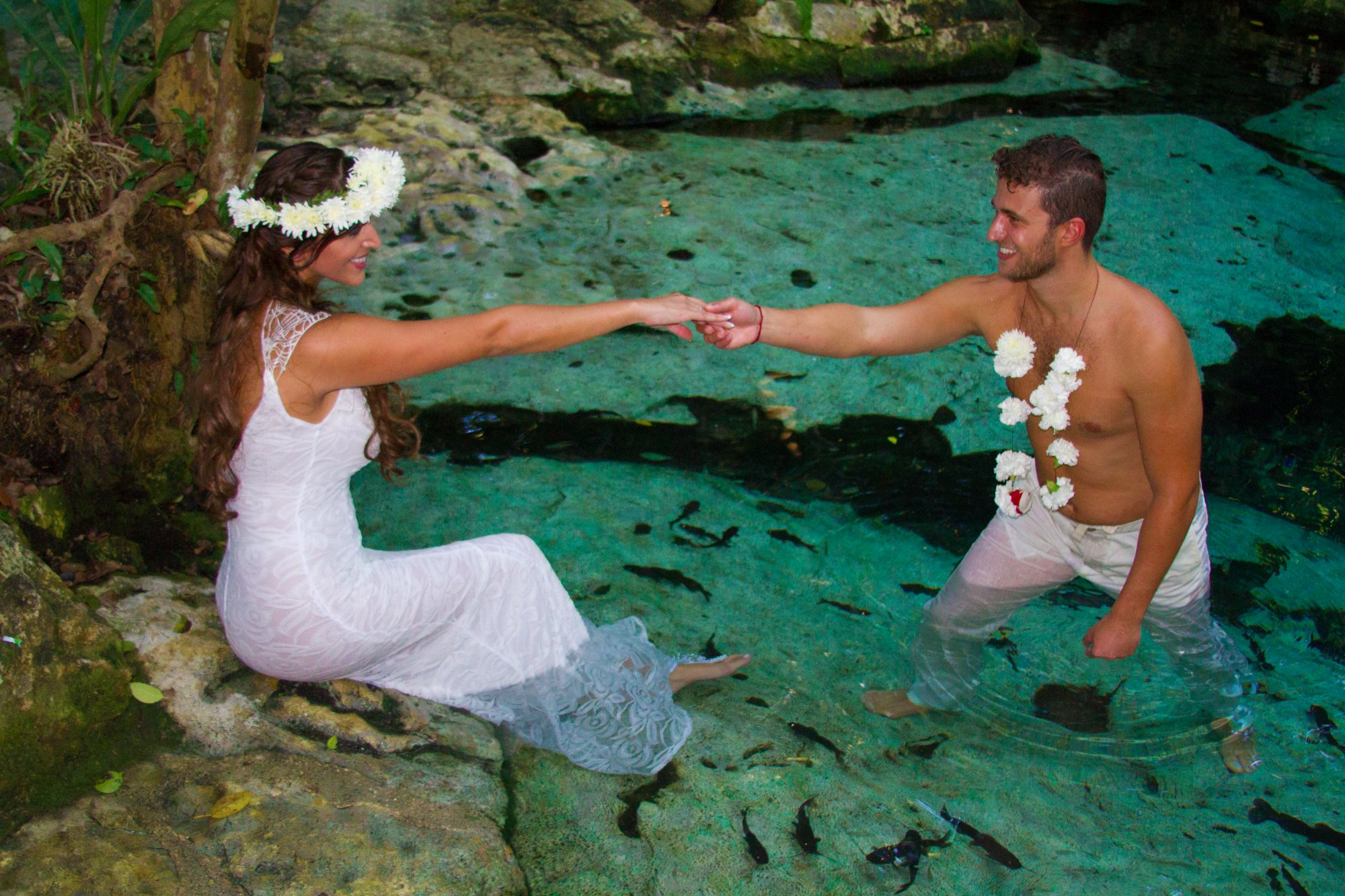 Casarse o consagrar el amor, mediante una renovación de votos o tu luna de miel en este paraíso.
