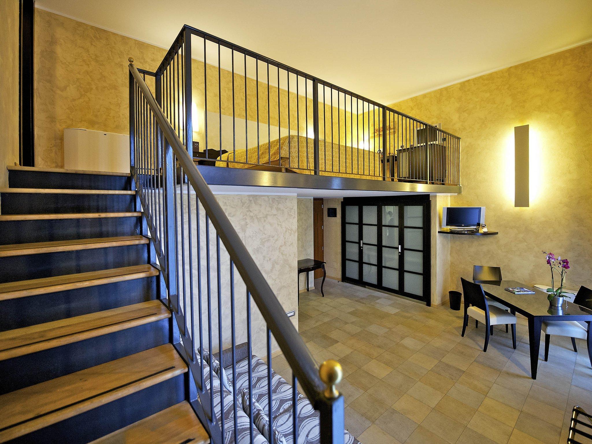 都靈諾水晶皇宮水星酒店