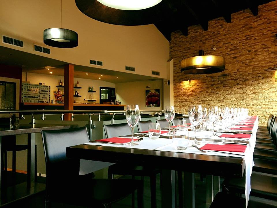 Bar restaurant los artesanos el pueyo de jaca omd men for 30 east salon reviews