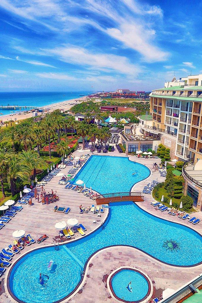 Lyra Resort & Spa