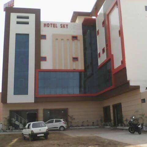 Hotel Sky Inn