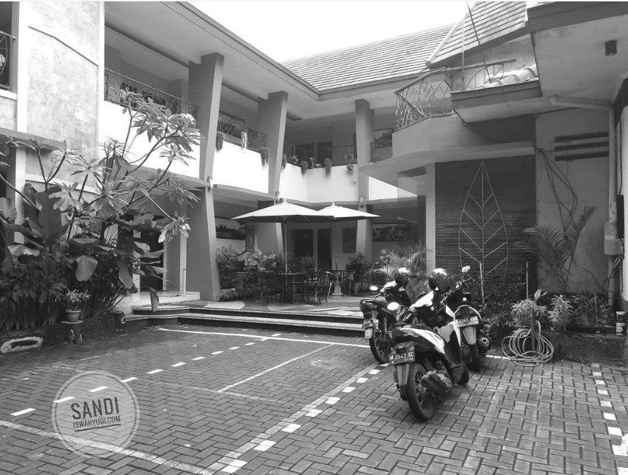 d-pavilion Guesthouse & Resto