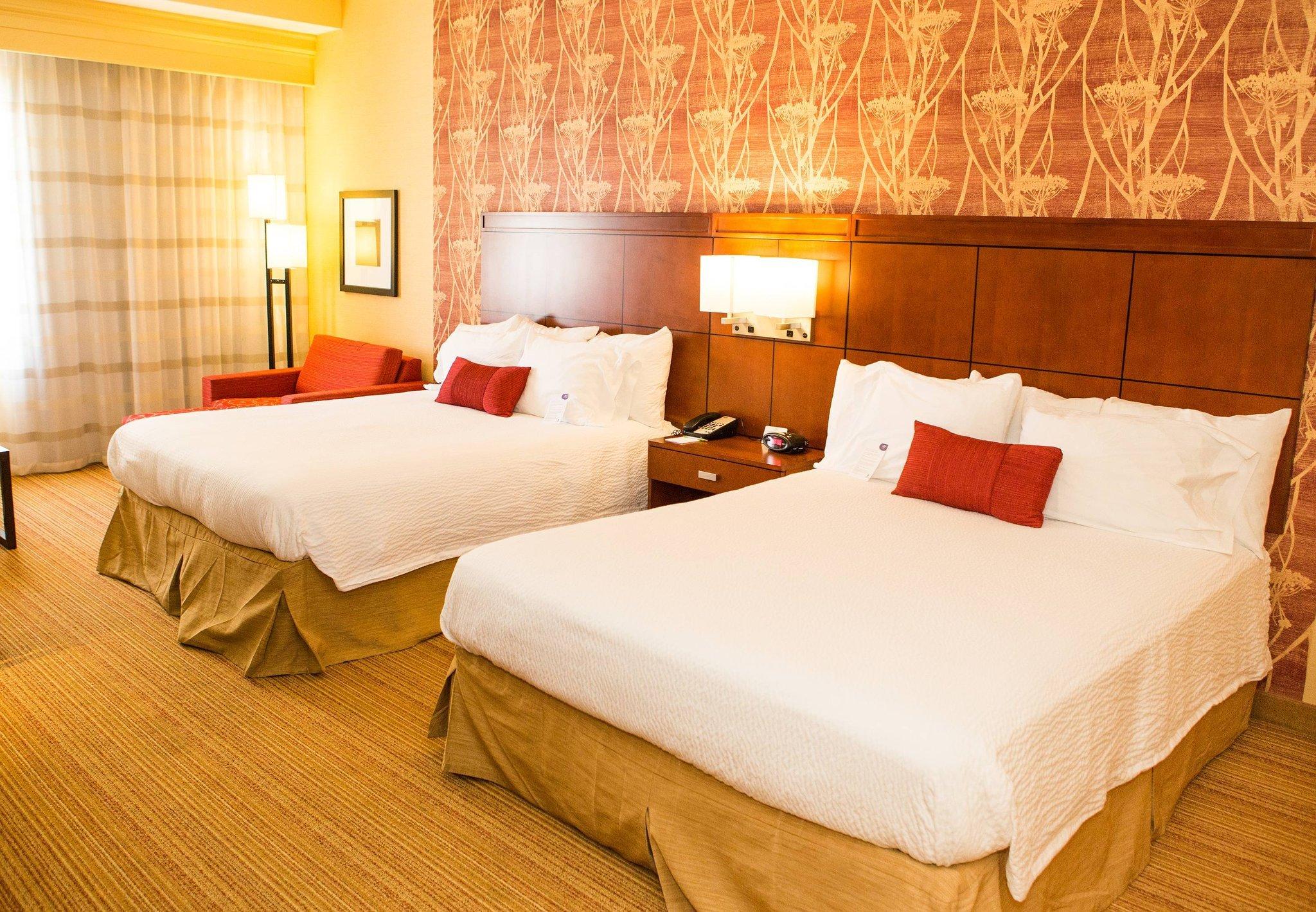維克托維爾萬怡飯店