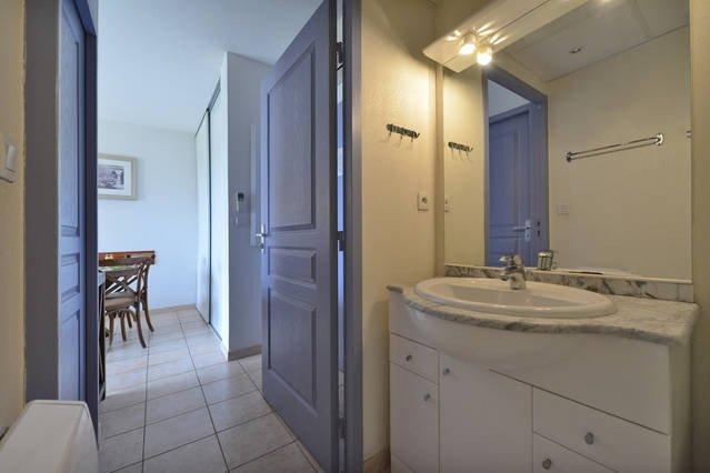 Uzes appart hotel updated 2017 apartment reviews price for Au petit jardin uzes