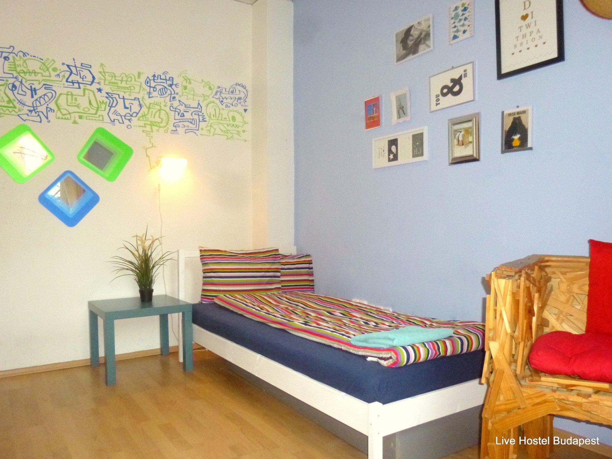 Live Hostel