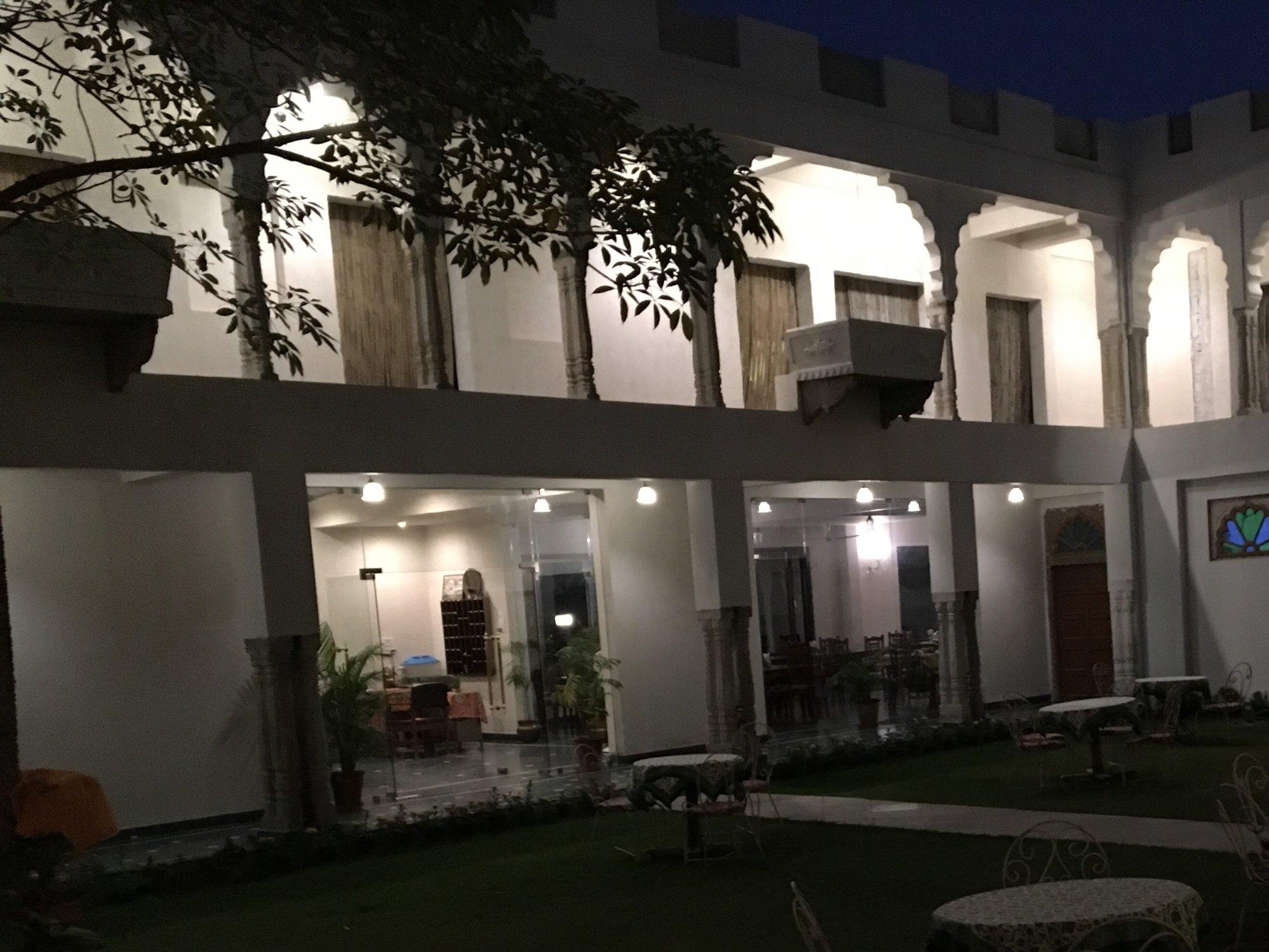 โรงแรม ราชสถาน พาเลซ