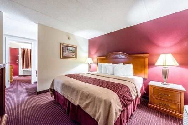 Red Roof Inn U0026 Suites Pigeon Forge   Parkway   UPDATED 2017 Prices, Reviews  U0026 Photos (TN)   Hotel   TripAdvisor