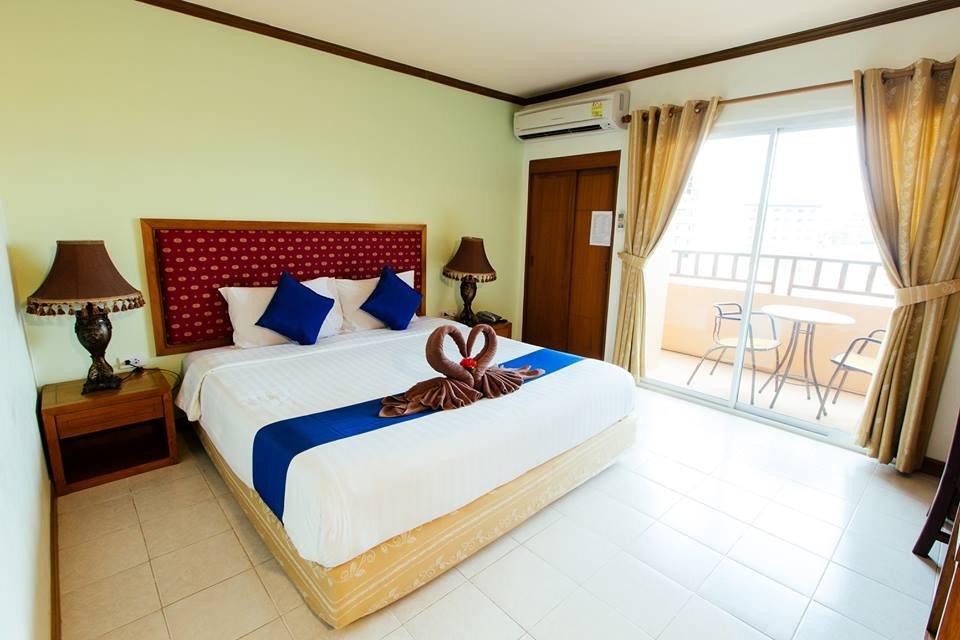 Thipurai Beach Hotel & Annex