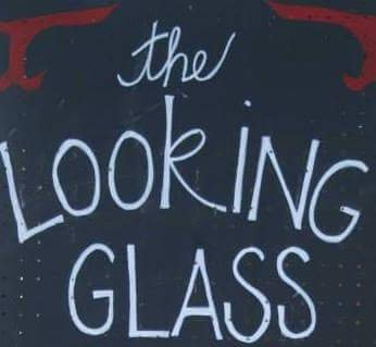 ‪The Looking Glass‬