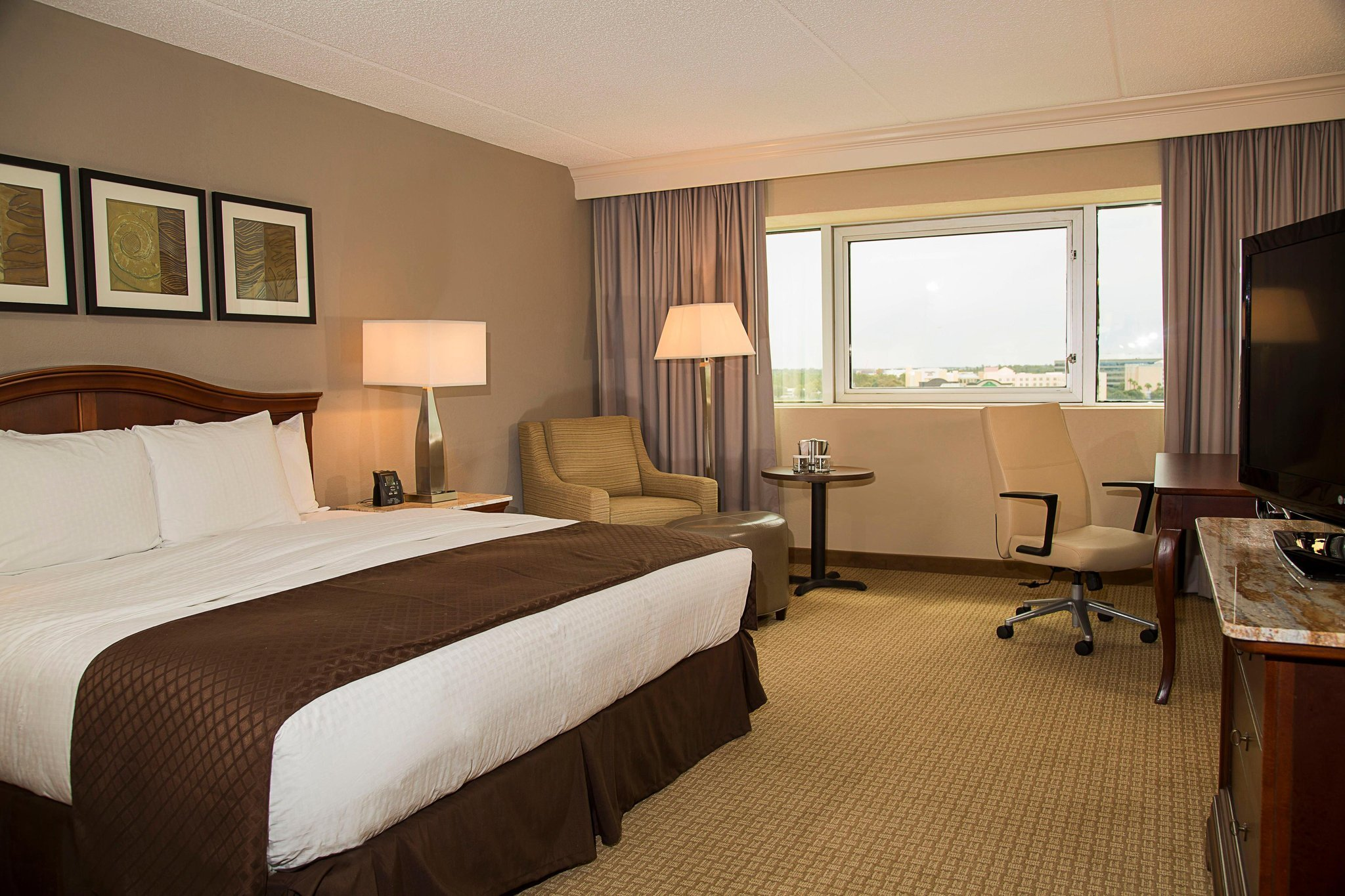 DoubleTree by Hilton Orlando Airport Hotel
