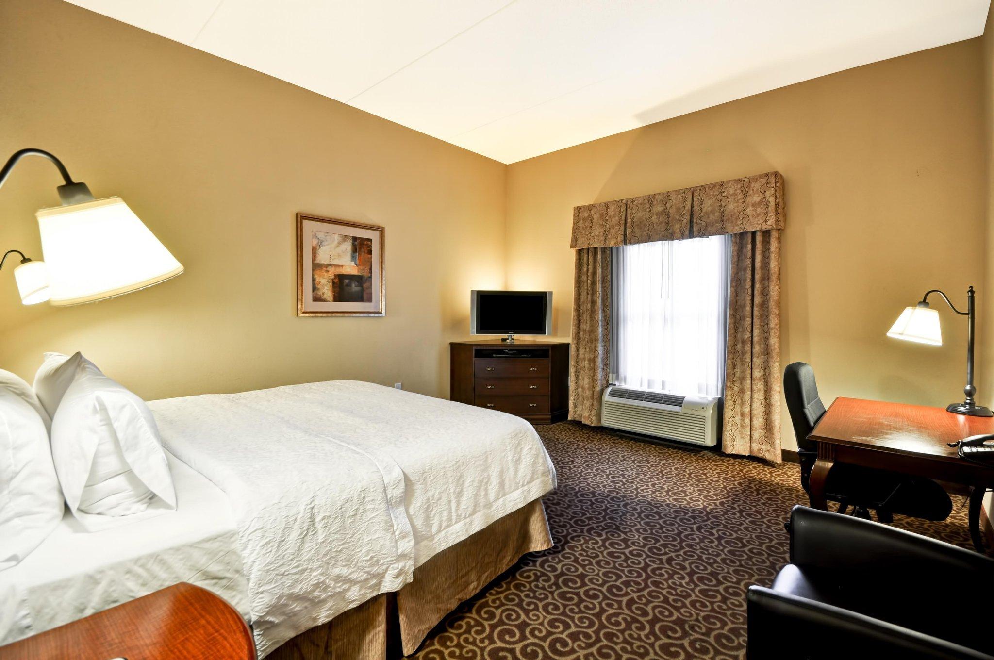 Hampton Inn & Suites Fredericksburg