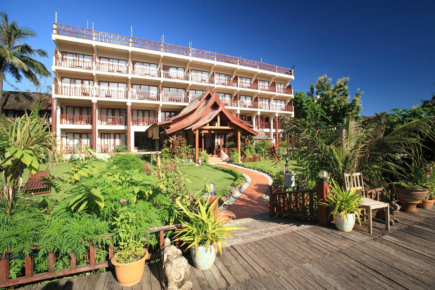 The Elephant Crossing Hotel