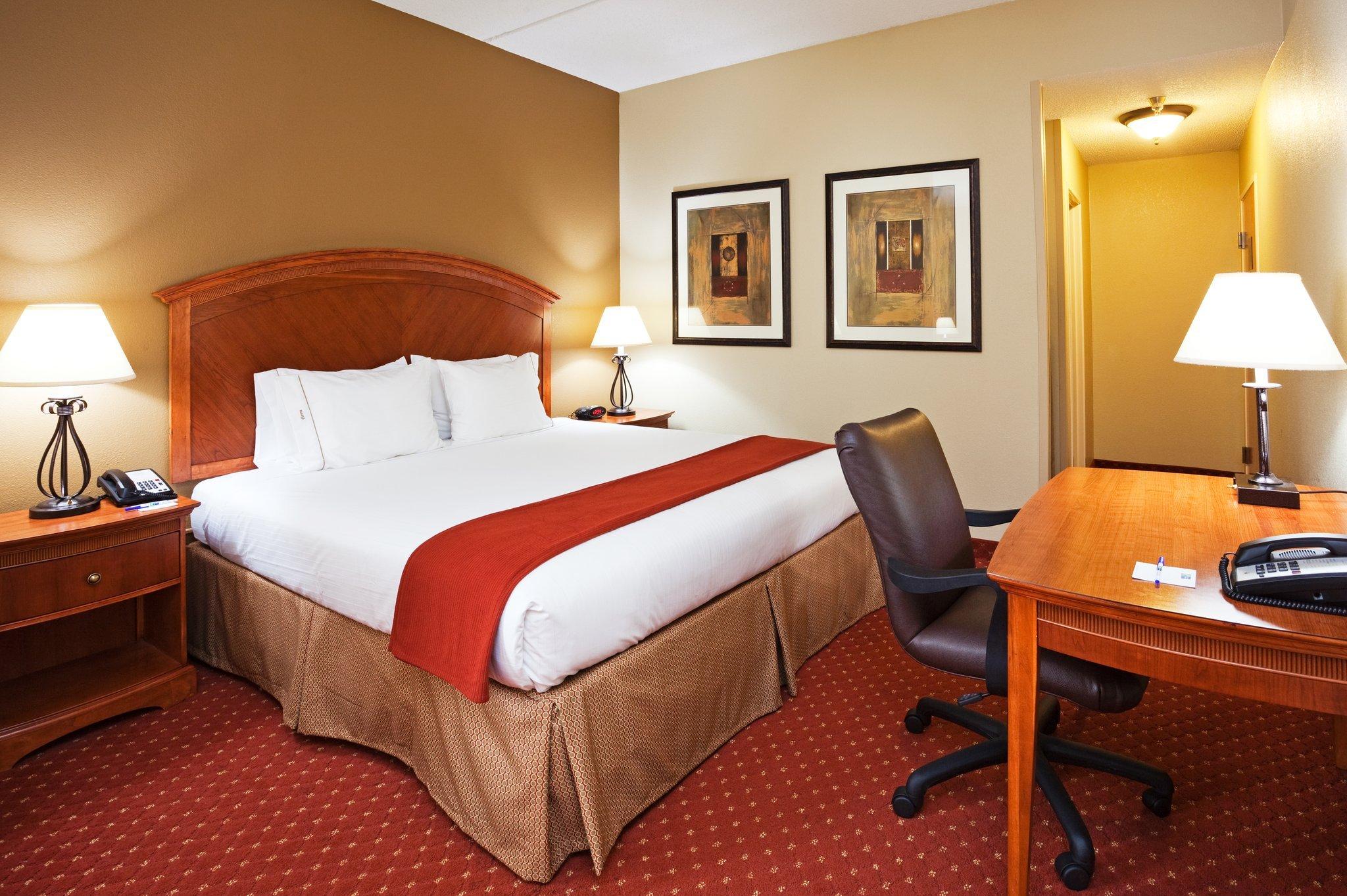 Holiday Inn Express Pineville