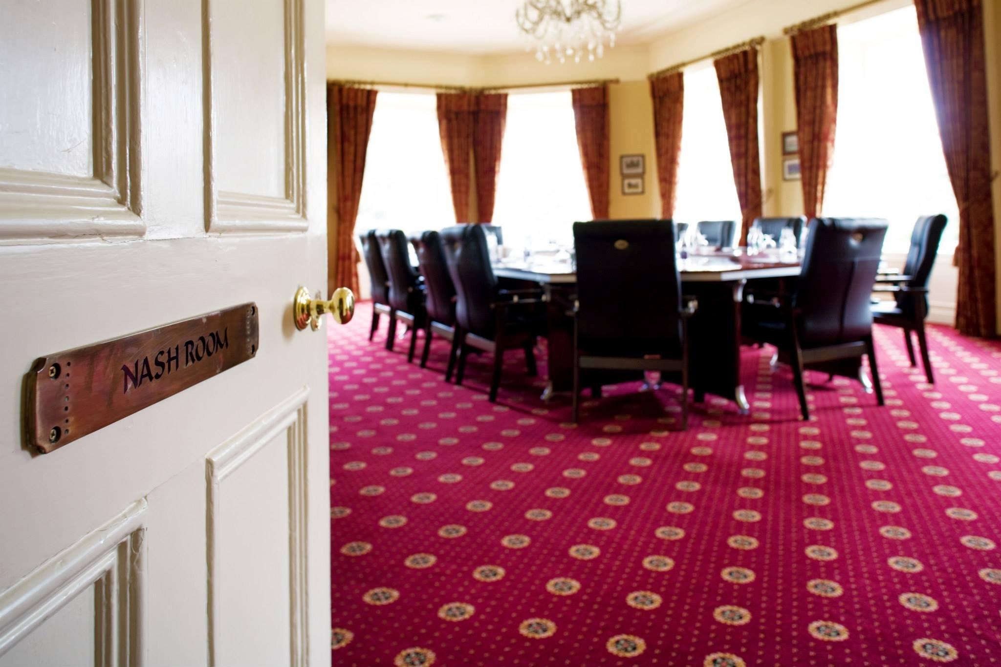 핀스타운 컨트리 하우스 호텔