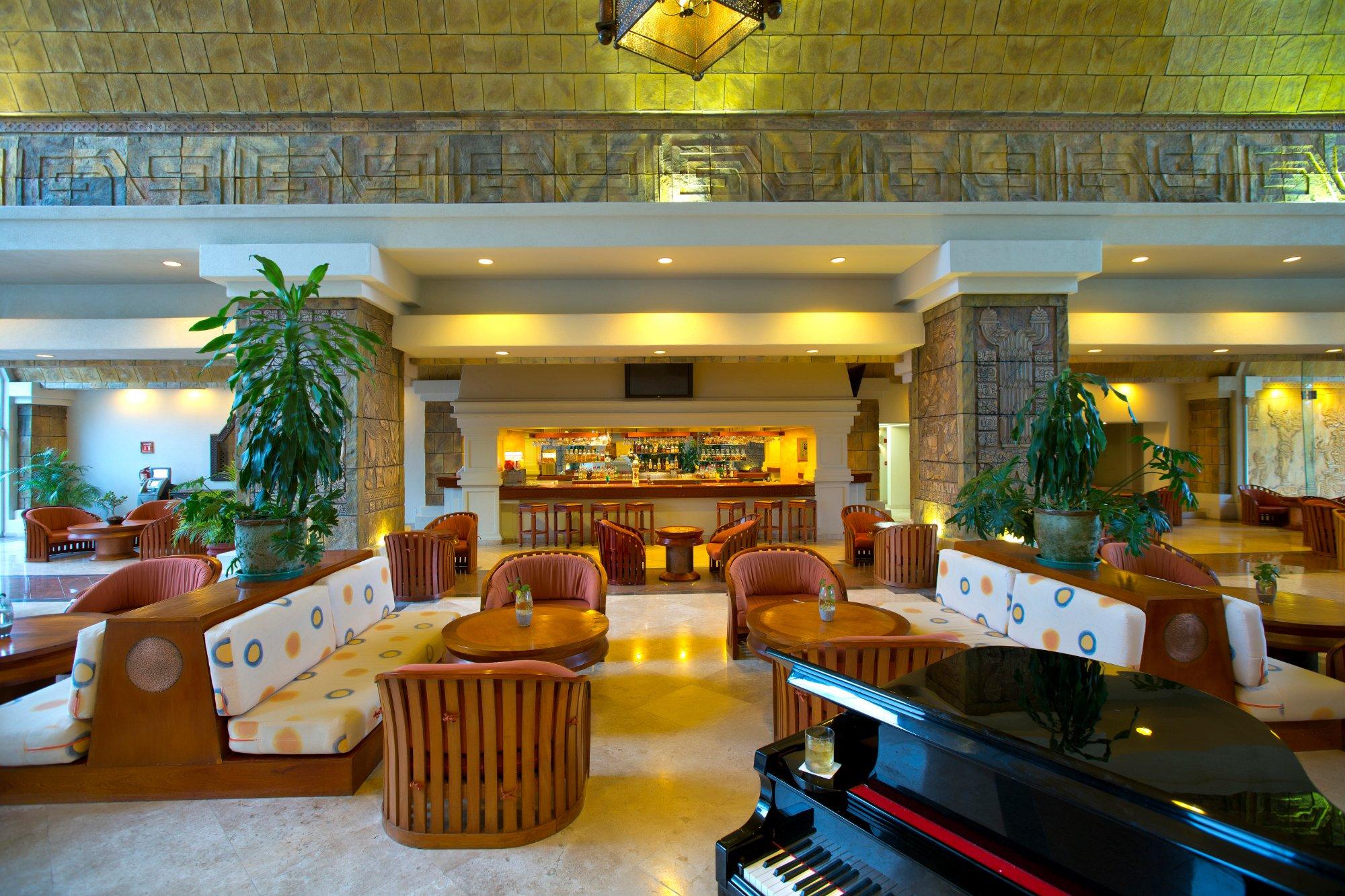 巴塞羅卡爾米娜皇宮豪華全包酒店