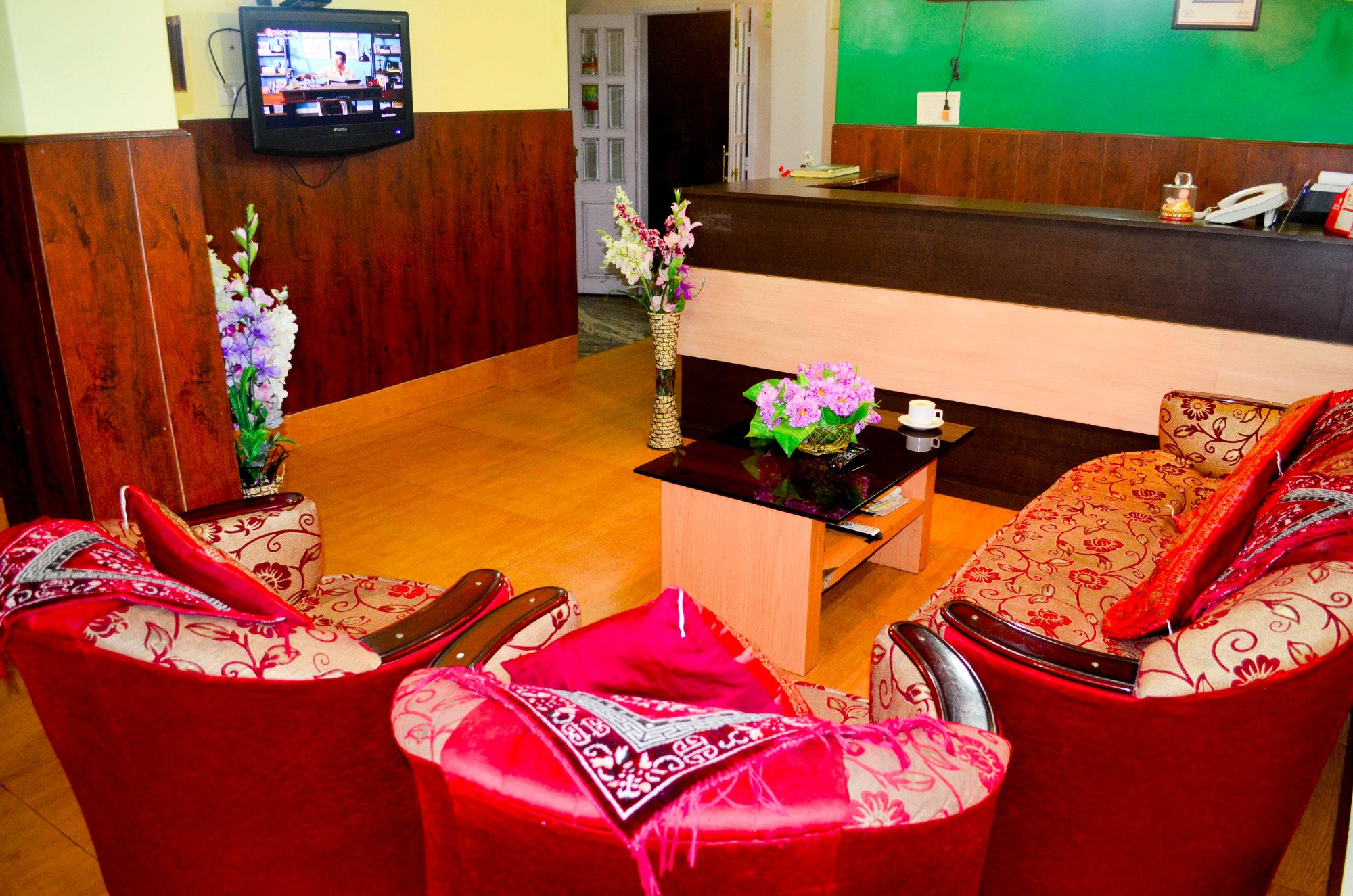 Hotel Red Cherry Residency