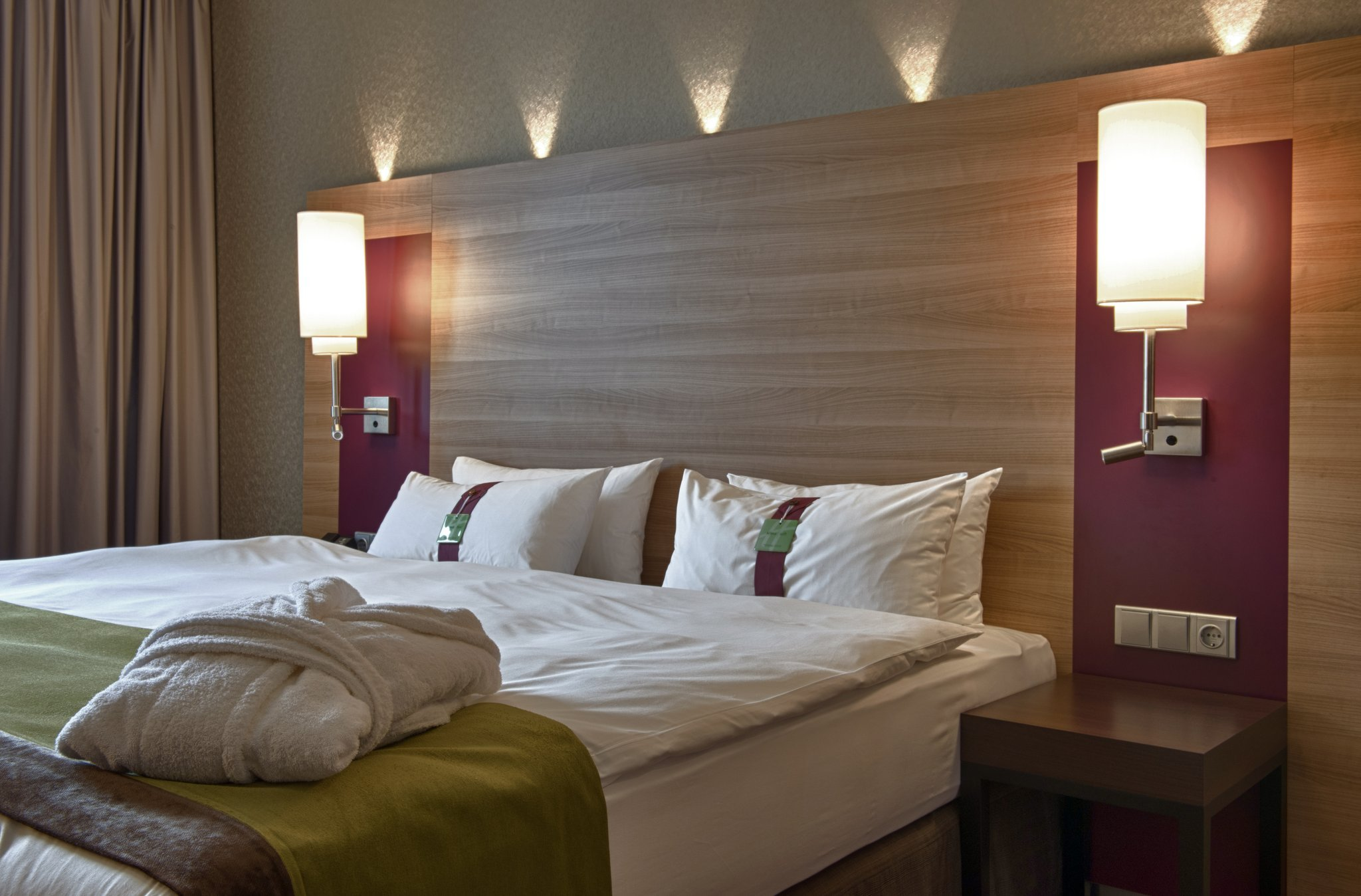 Holiday Inn Киев