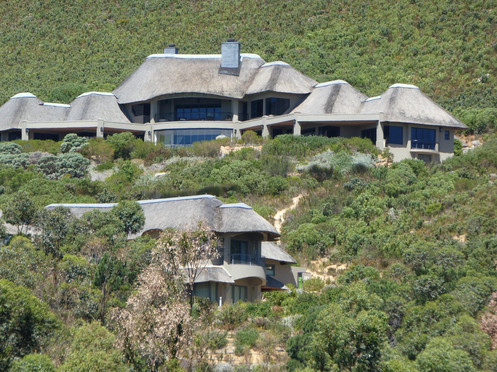 Bezweni Lodge