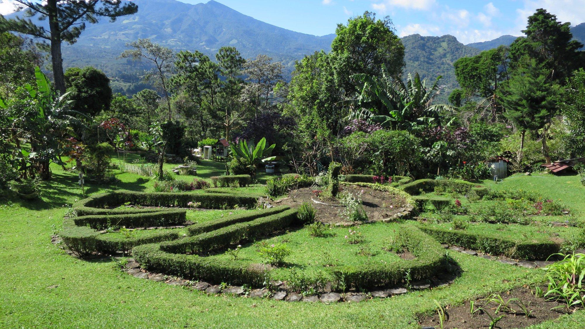 El Explorador Gardens