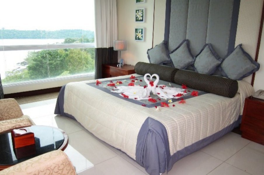 Independence Hotel, Resort & Spa