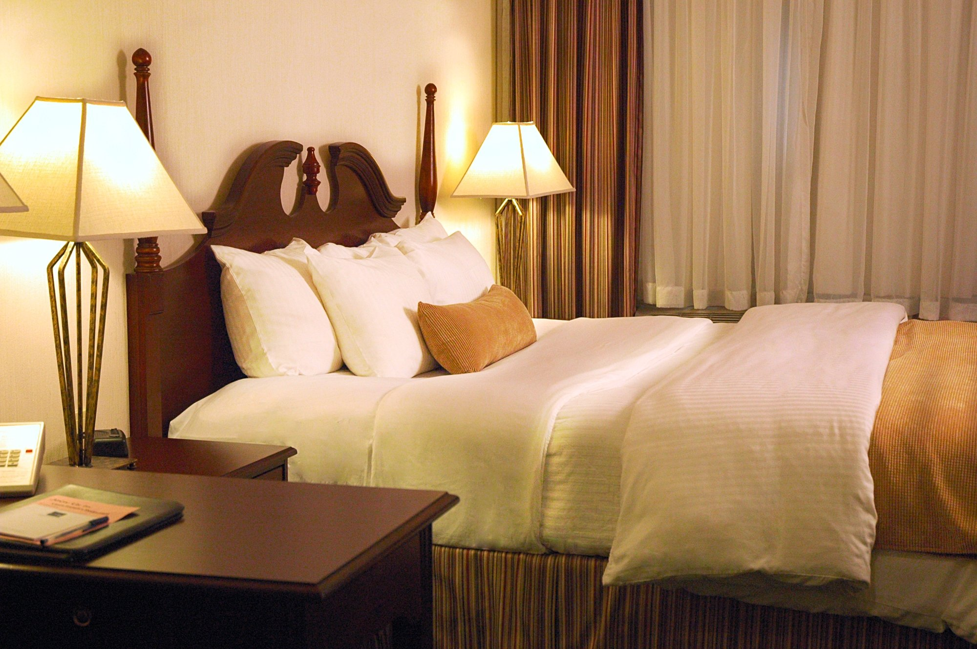 アンバサダー ホテル サドブリー
