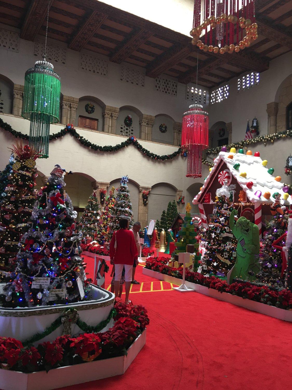 Community Center - King Street - Holiday display