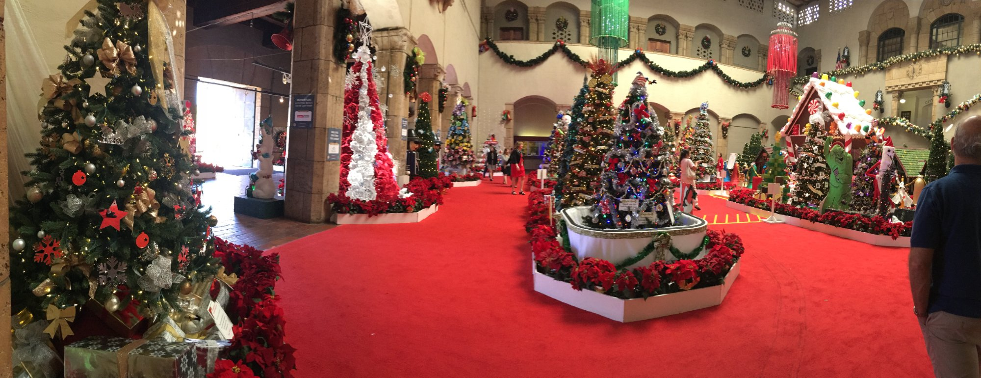 Holiday display in the city building of Honolulu