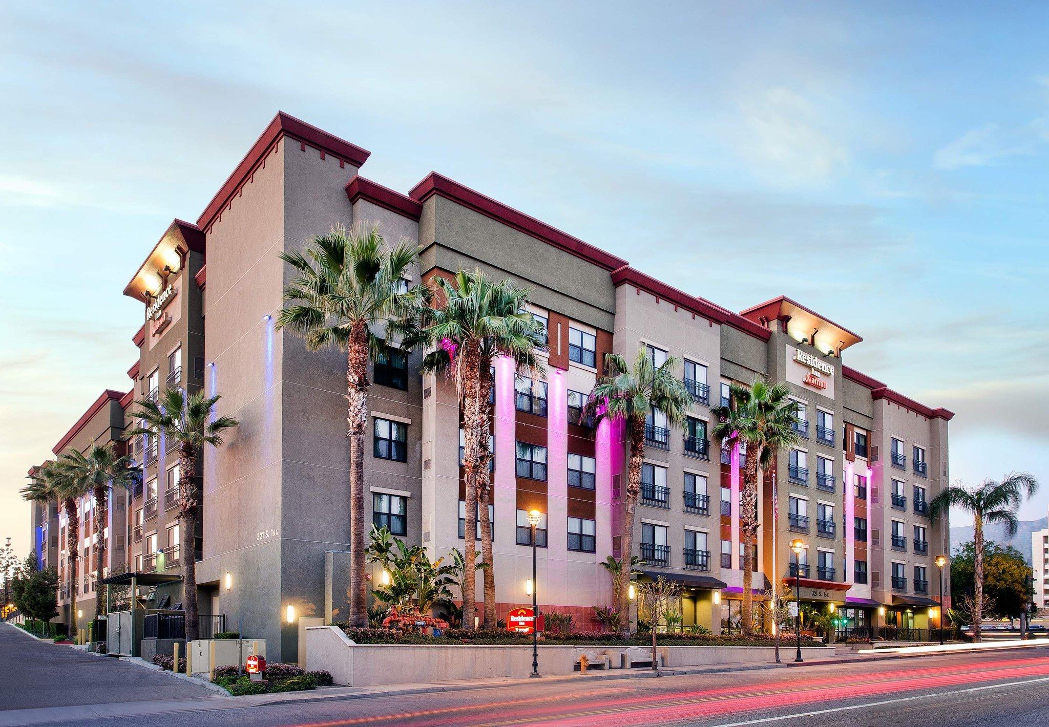 洛杉磯伯班克市中心萬豪長住飯店