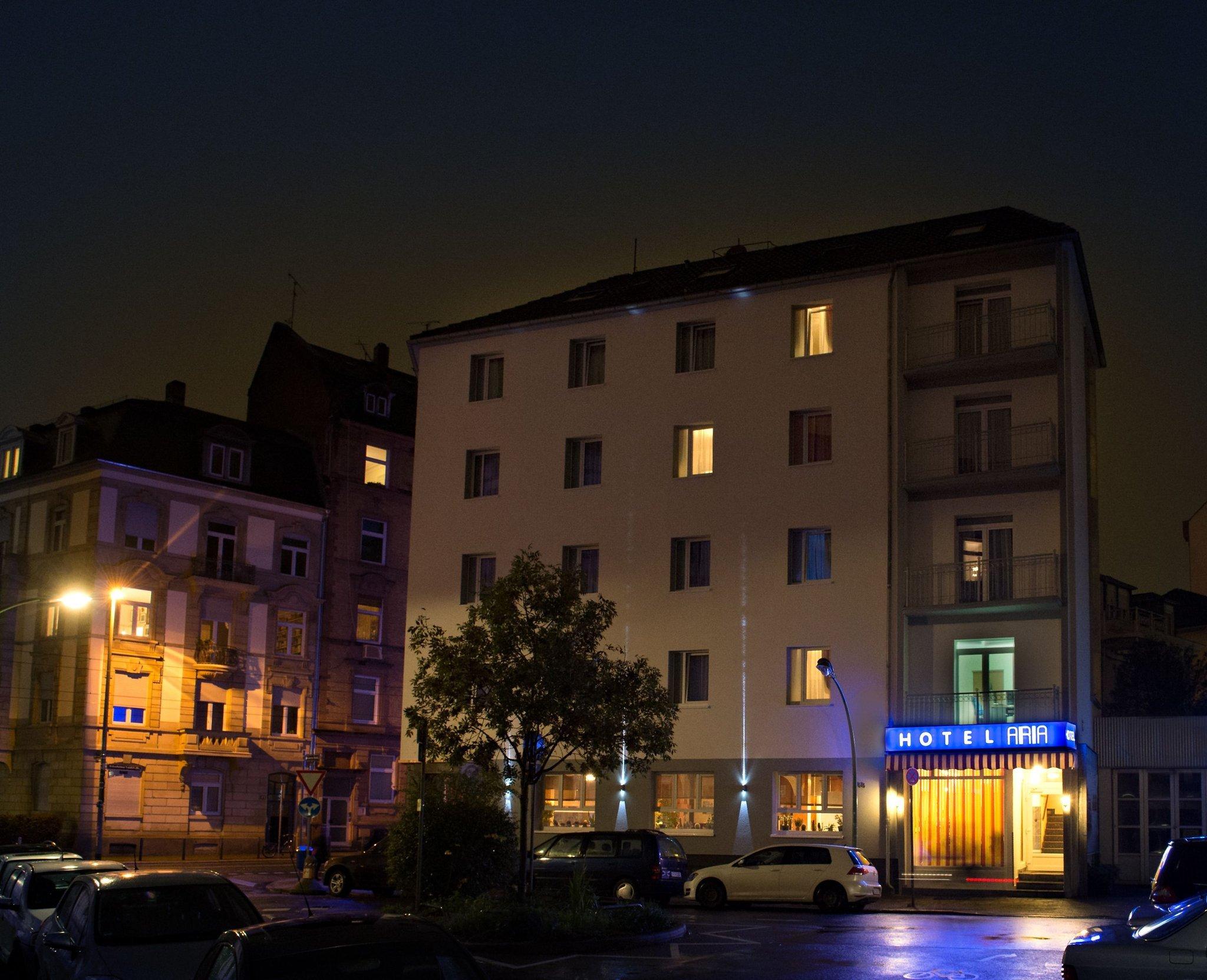 호텔 아리아