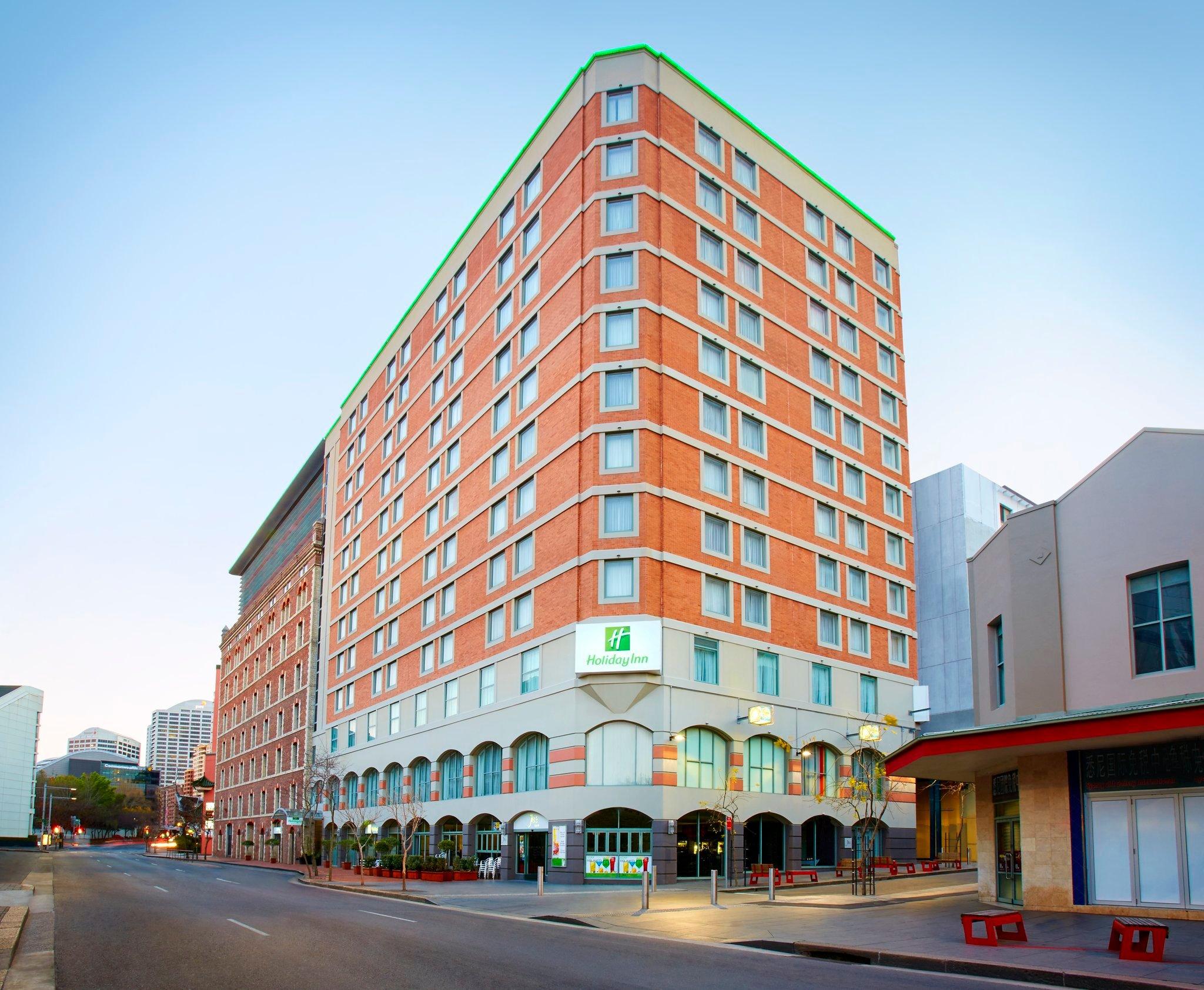 โรงแรมฮอลิเดย์อินน์ดาร์ลิ้งฮาร์เบอร์