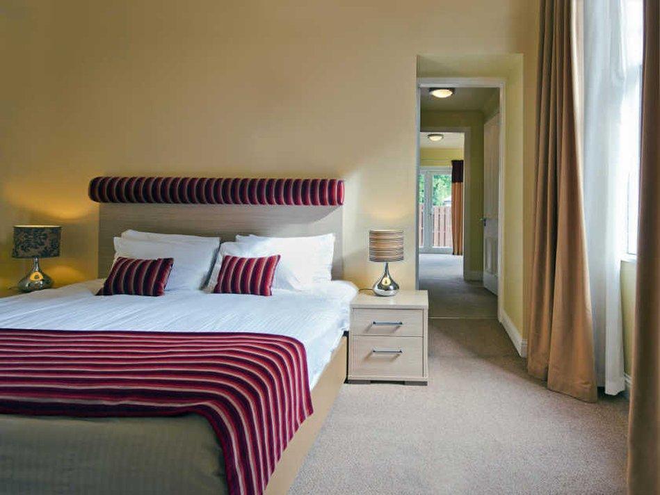 Number 10 Hotel