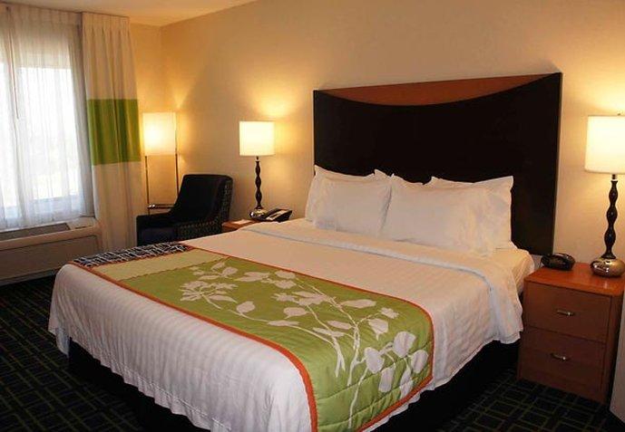 雷丁 Fairfield Inn&Suites 飯店