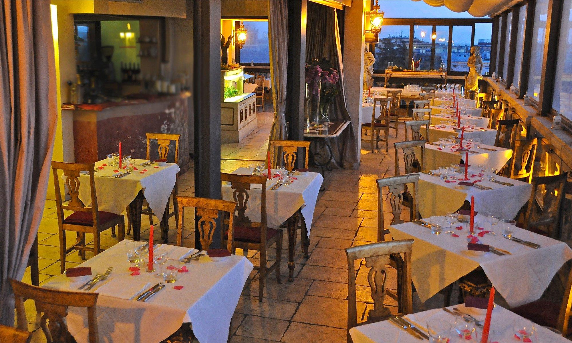 ホテル ロマニコ パレス