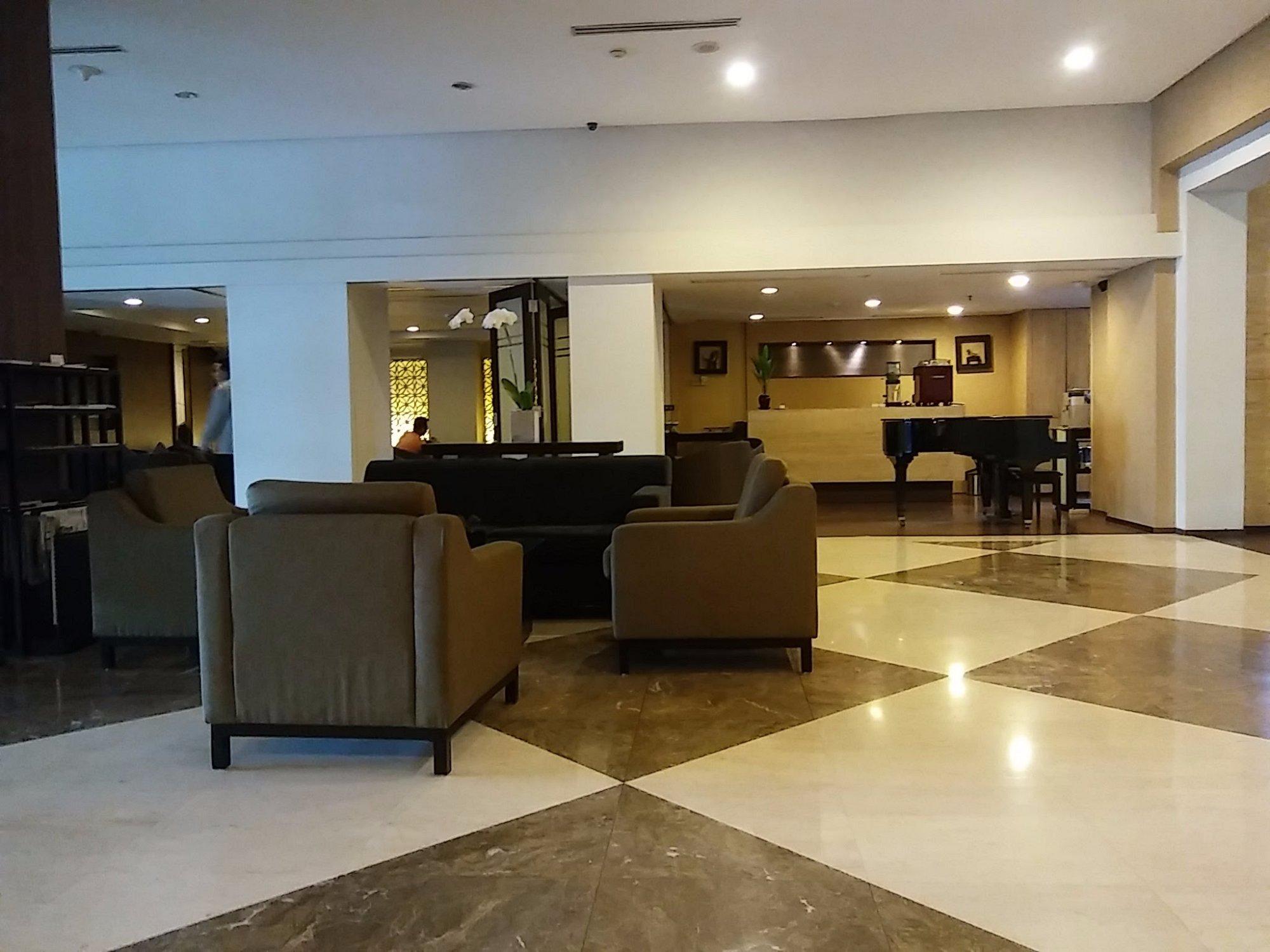Hotel Santika Pandegiling Surabaya