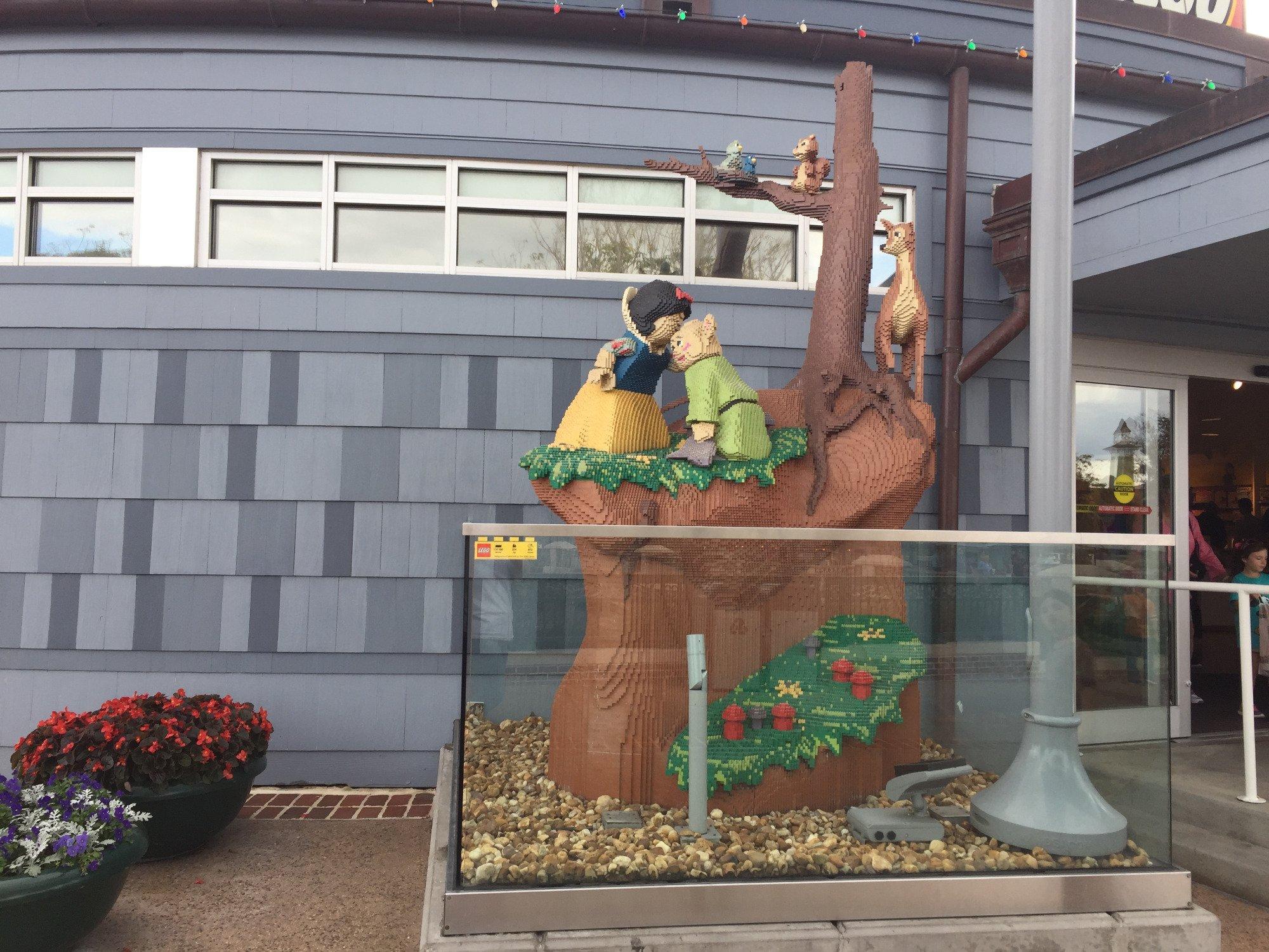 Misc. photos taken in Disney Springs.