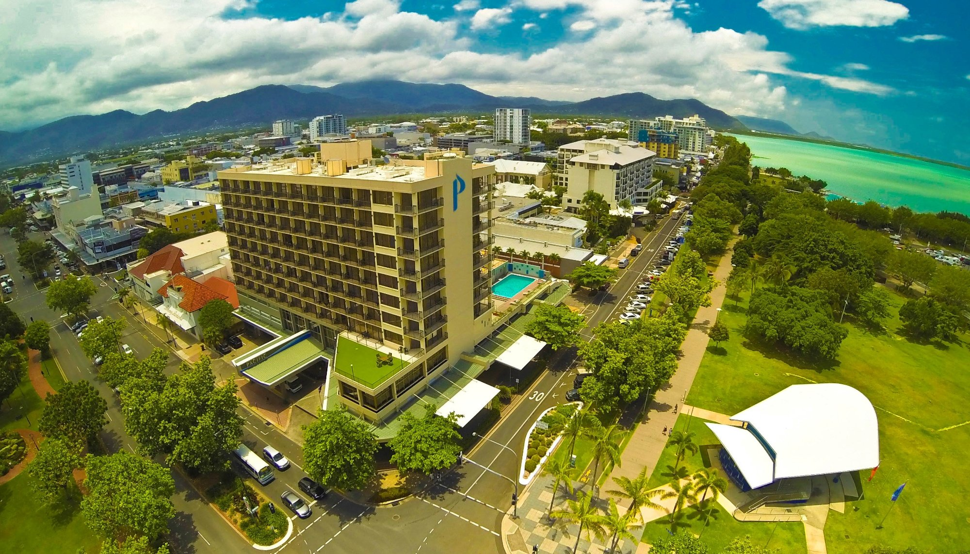 ‪Pacific Hotel Cairns‬
