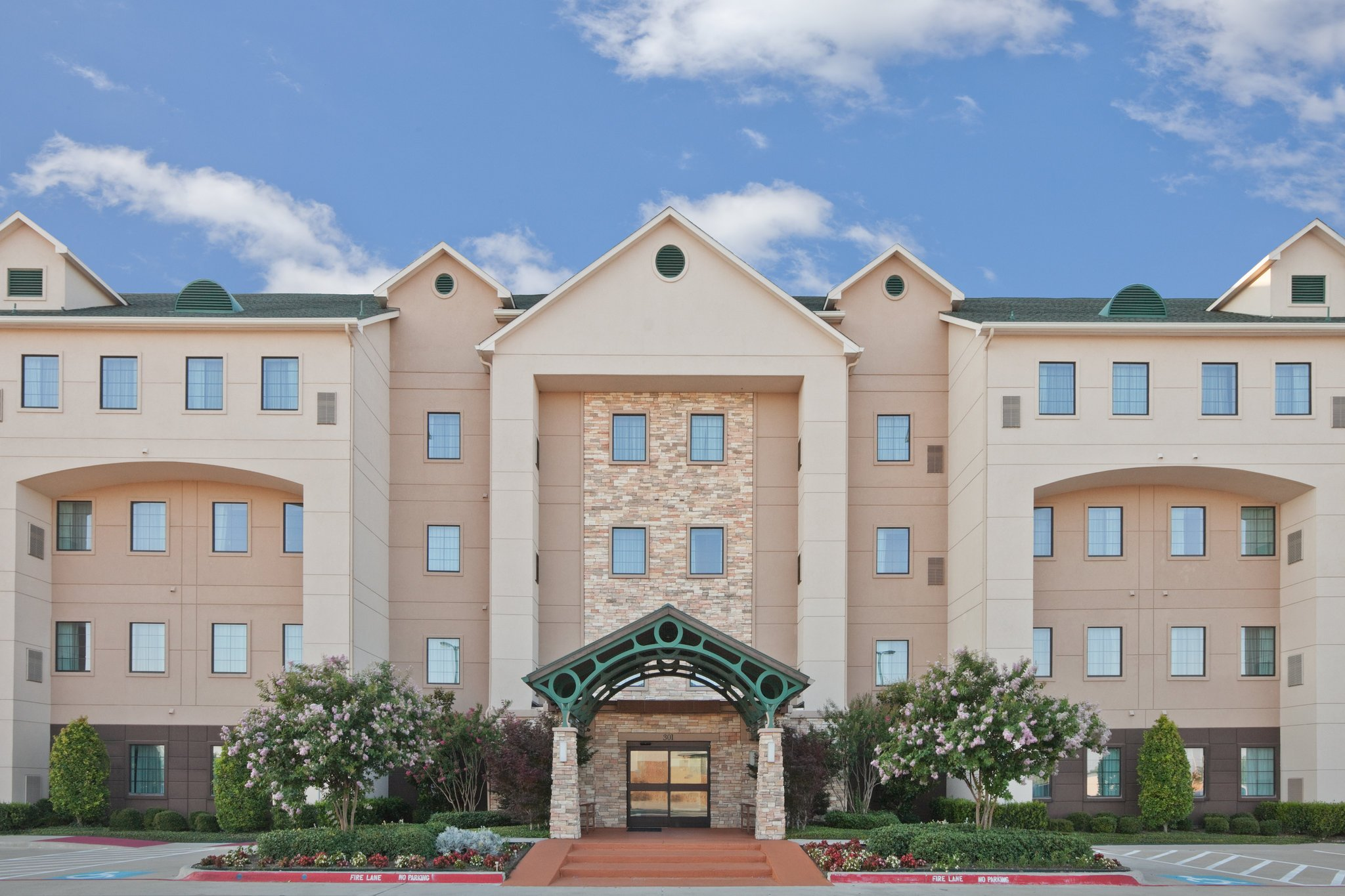 Staybridge Suites Plano - Richardson Area