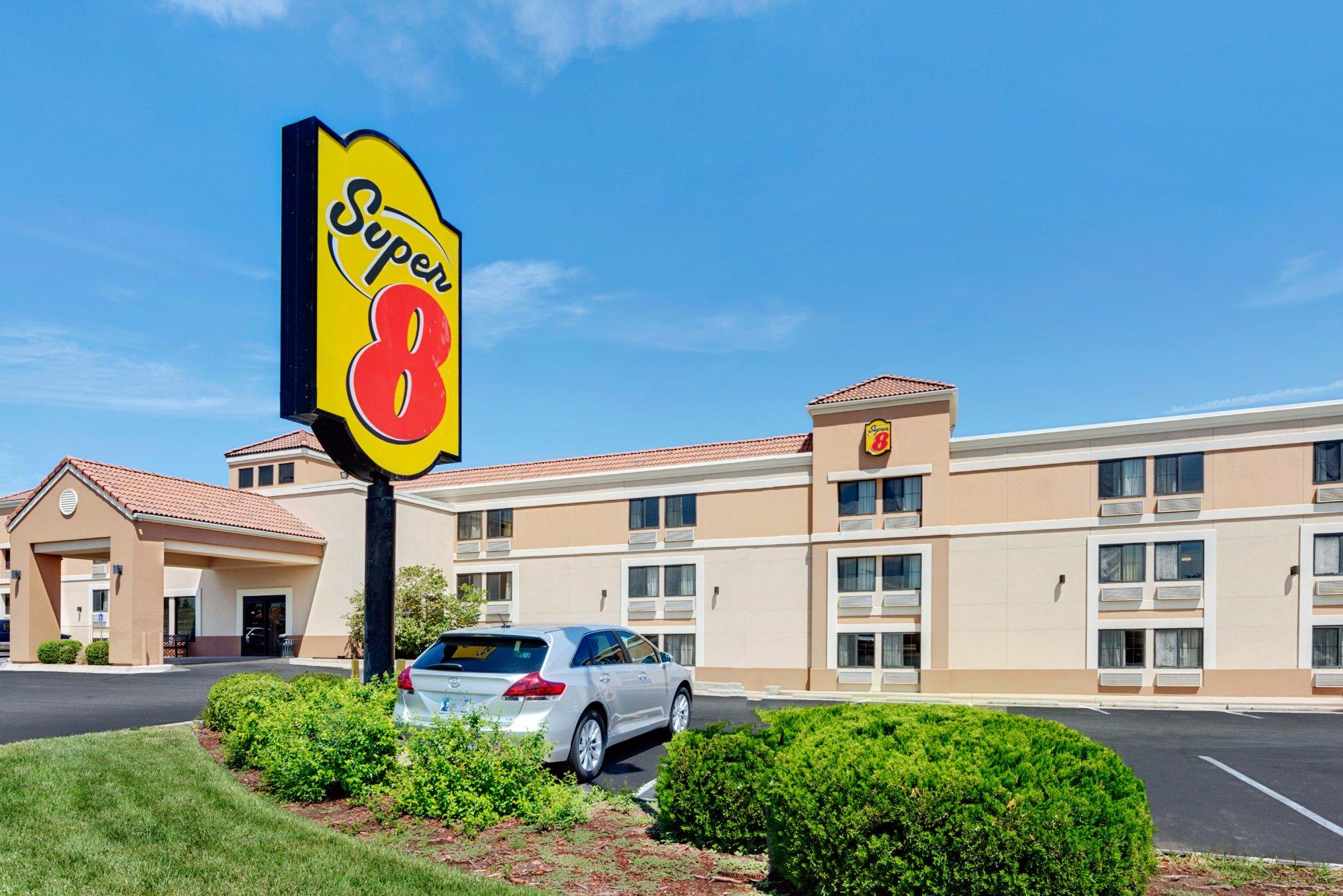 Super 8 Wichita East