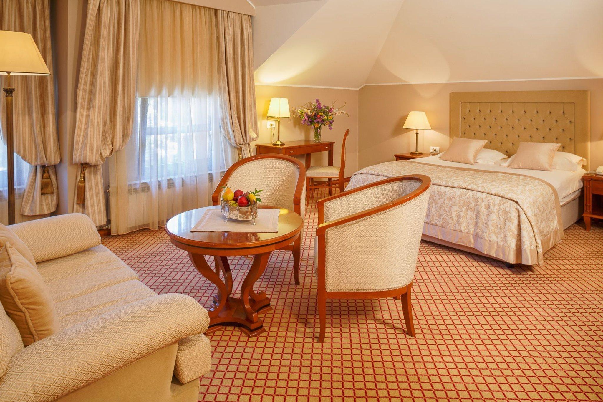호텔 즈라트니크