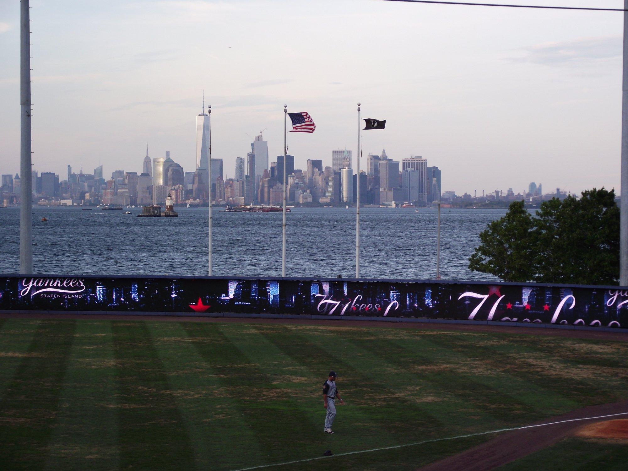 UA Staten Island Stadium 16 U0026 RPX