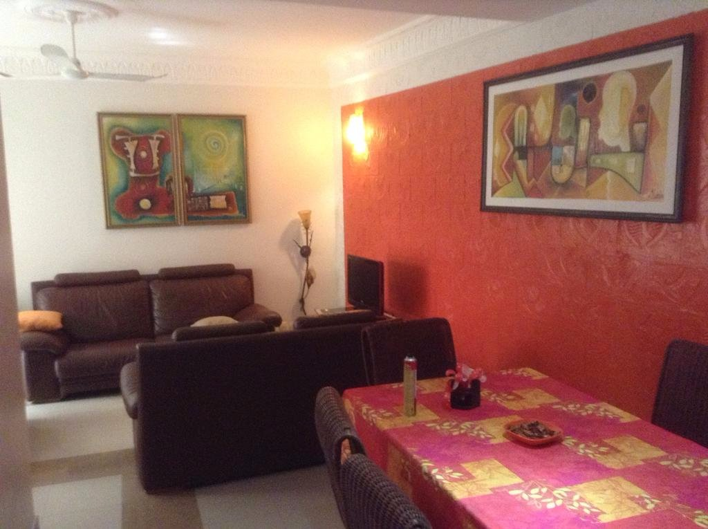 Residence les calanques yoff senegal omd men och for Salon 7 places dakar