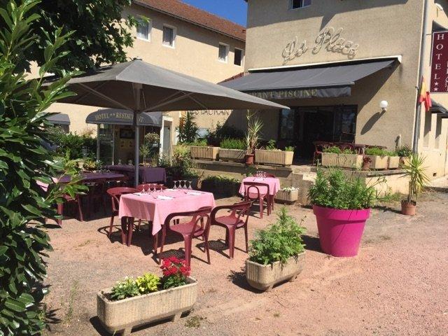 La Place Hotel Restaurant