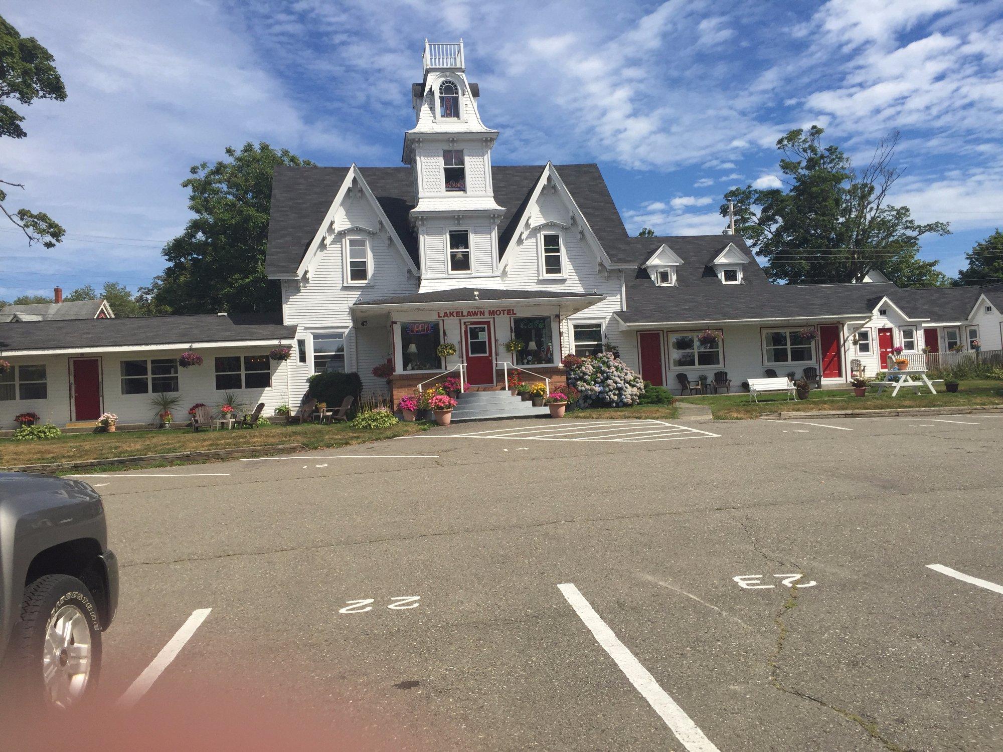 Lakelawn B&B Motel