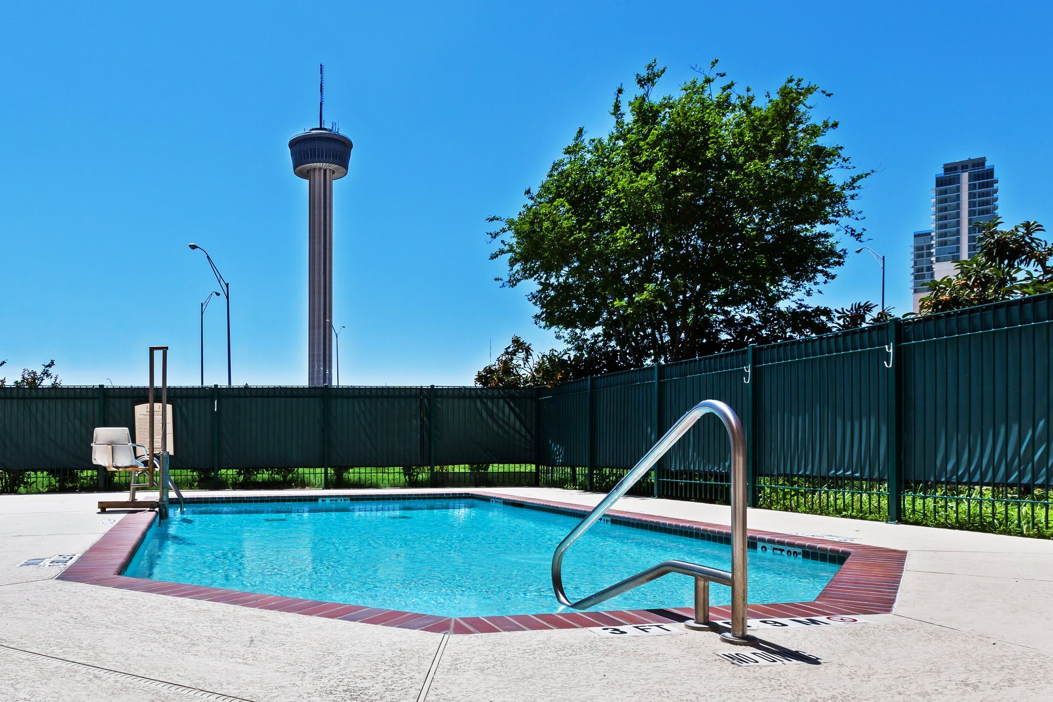 Staybridge Suites Downtown San Antonio Convention Center