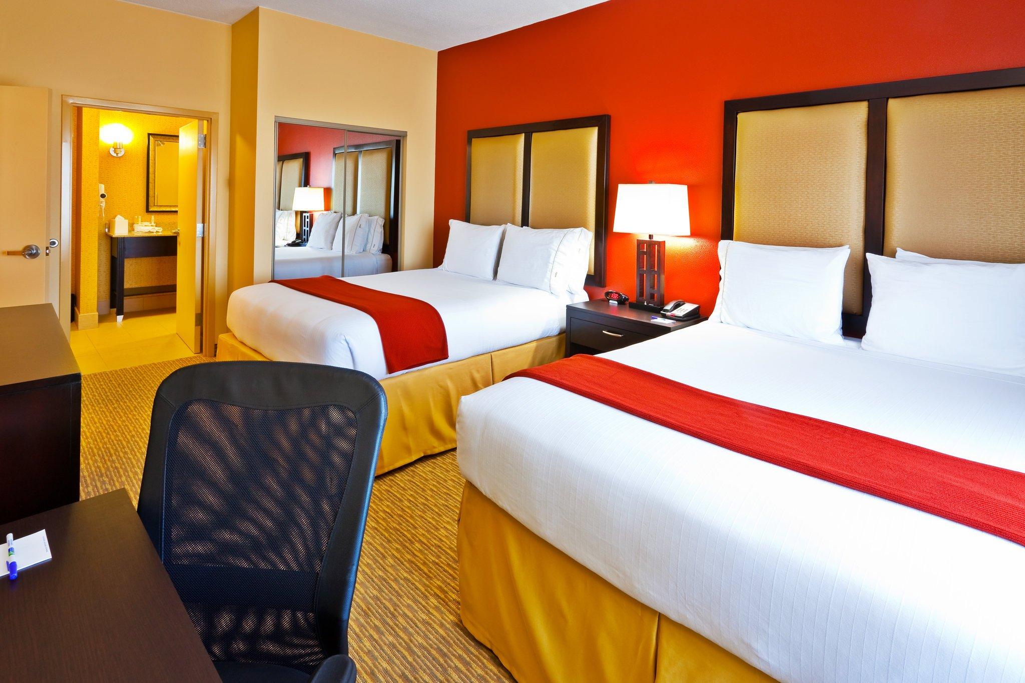 Nashville 2 Bedroom Suites Holiday Inn Express Hotel Suites Nashville Opryland Updated