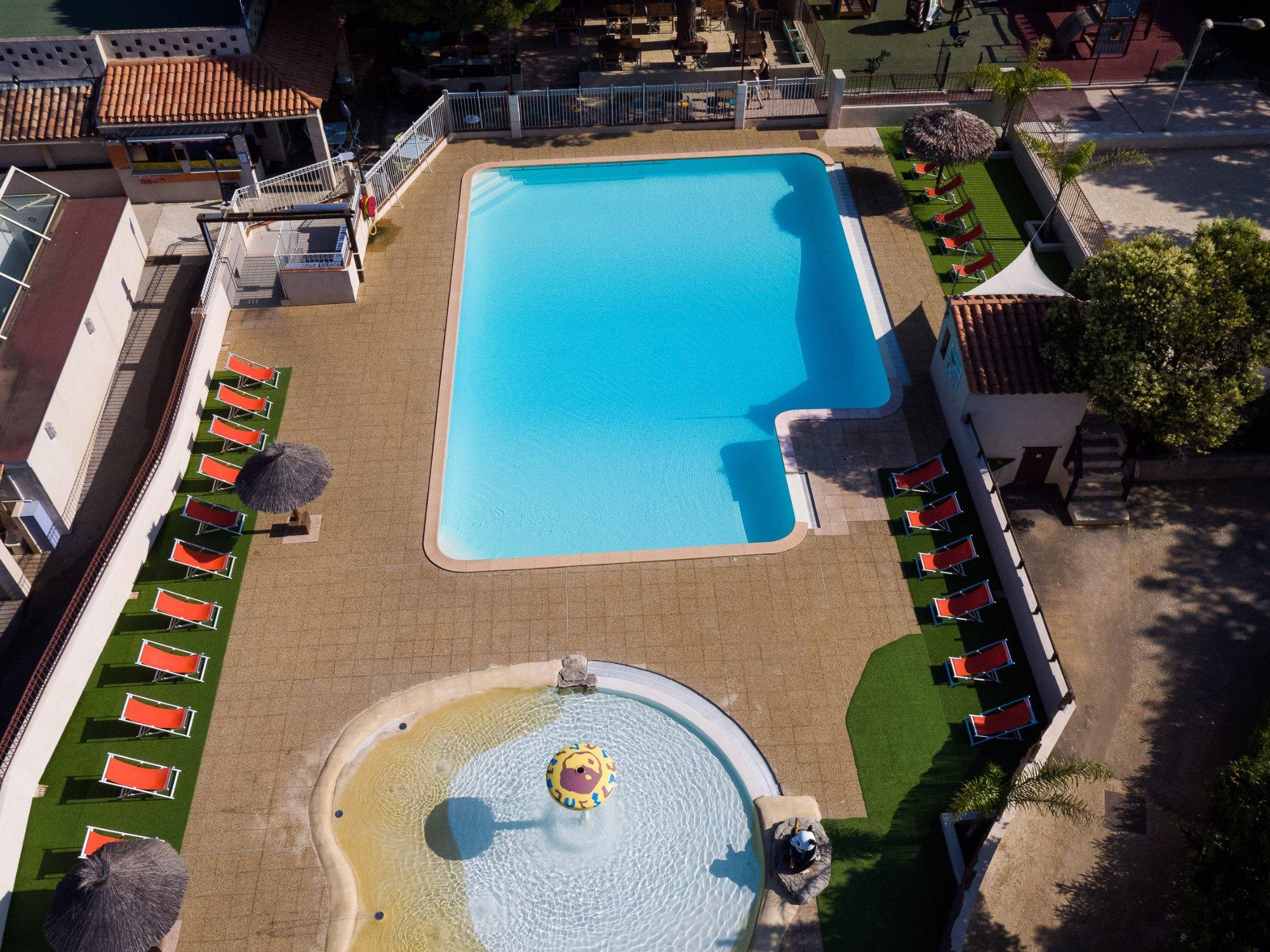 Parc mogador sanary sur mer france voir les tarifs et for Camping sanary sur mer avec piscine